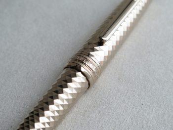 Bút Montblanc Meisterstuck Solitaire Geometric Dimension Midsize Ballpoint Pen 106442