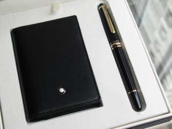 Bộ set bút  Montblanc Meisterstuck Classique Gold Plated Rollerball Pen – Ví Namecard Holder